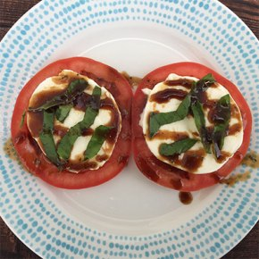 healthy_tomato_mozarella_salad_recipe